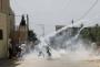 إصابة سبعة فلسطينيين جراء قمع قوات الاحتلال الإسرائيلي مسيرة